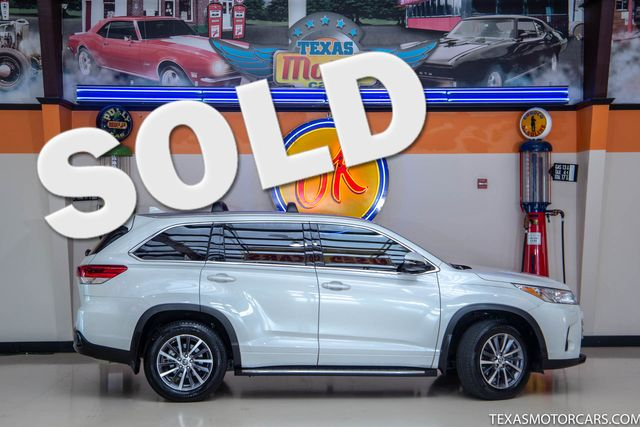 2018 Toyota Highlander XLE in Addison, Texas 75001