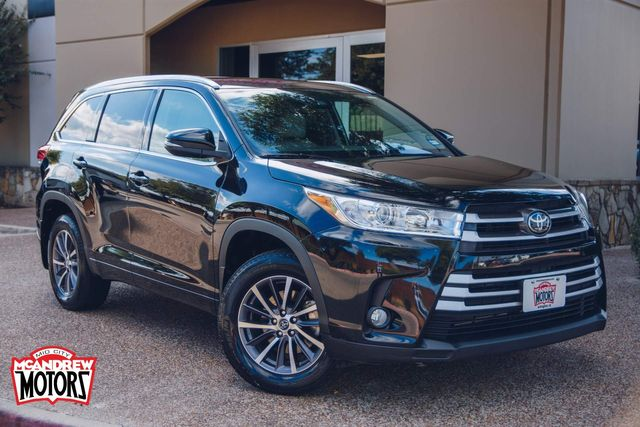 2018 Toyota Highlander SE in Arlington, Texas 76013