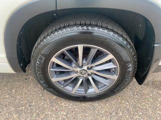 2018 Toyota Highlander XLE Farmington, MN 12