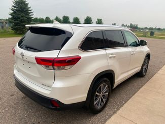 2018 Toyota Highlander XLE Farmington, MN 3