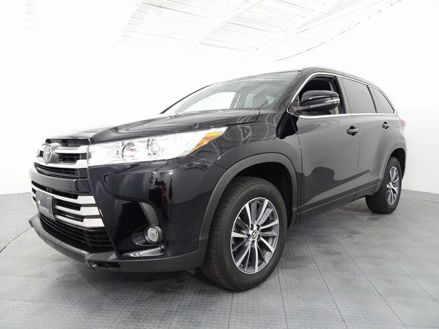 2018 Toyota Highlander XLE in McKinney, Texas 75070