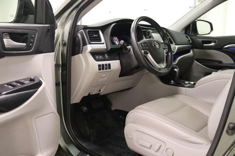 2018 Toyota Highlander Limited  city NC  The Group NC  in Mansfield, NC