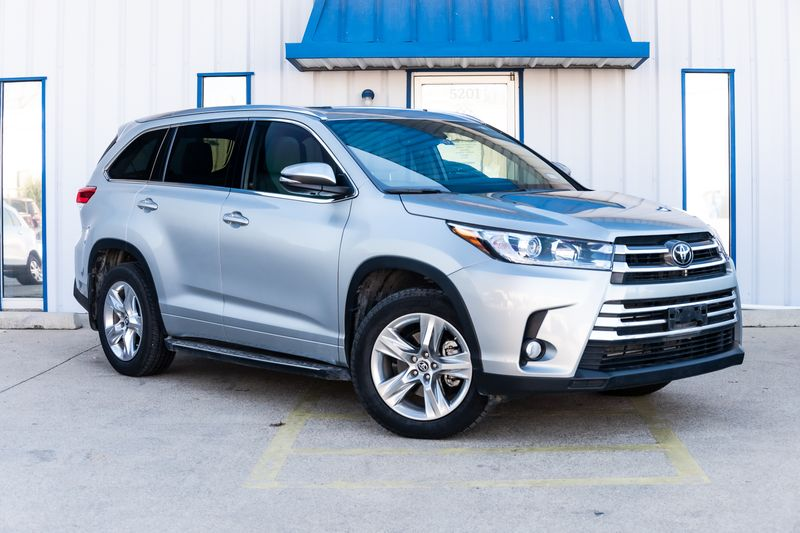 2018 Toyota Highlander LIMITED CLEAN CARFAX 1 OWNER NAV LEATHER BKUP CAM! in Rowlett, Texas