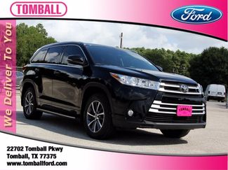 2018 Toyota Highlander in Tomball, TX 77375