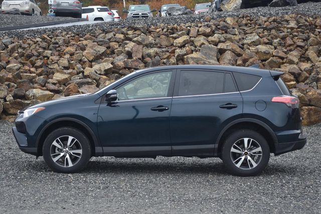 2018 Toyota RAV4 XLE Naugatuck, Connecticut 1