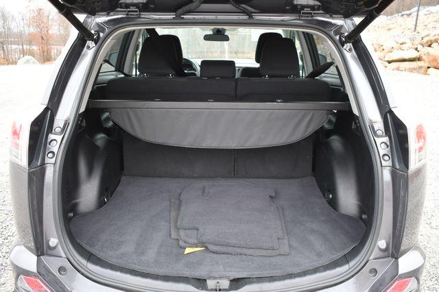 2018 Toyota RAV4 XLE Naugatuck, Connecticut 10