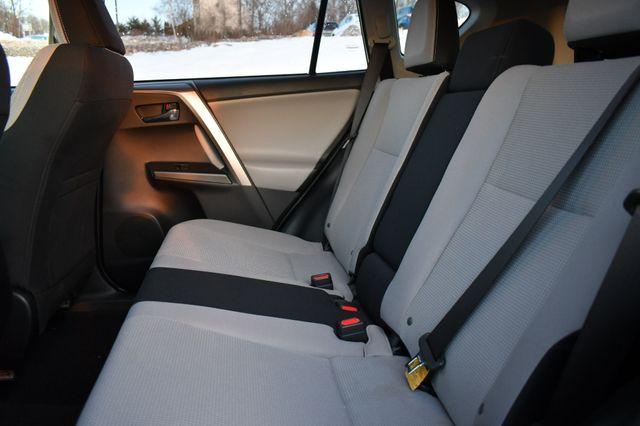 2018 Toyota RAV4 XLE Naugatuck, Connecticut 17