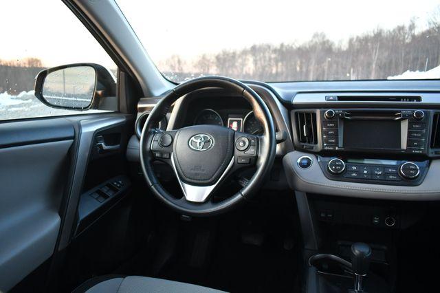 2018 Toyota RAV4 XLE Naugatuck, Connecticut 18