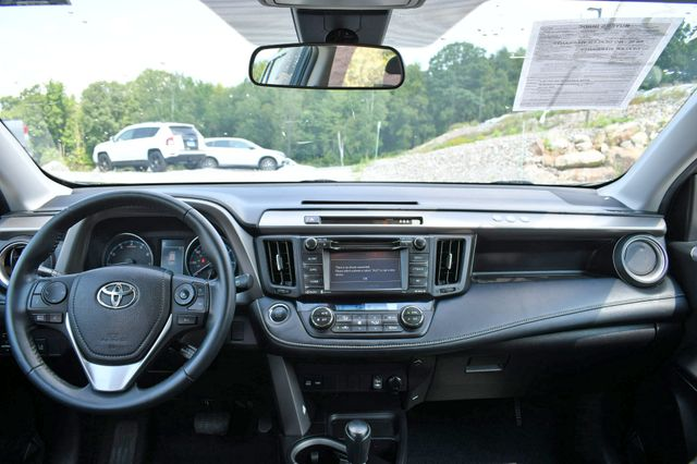 2018 Toyota RAV4 XLE AWD Naugatuck, Connecticut 18