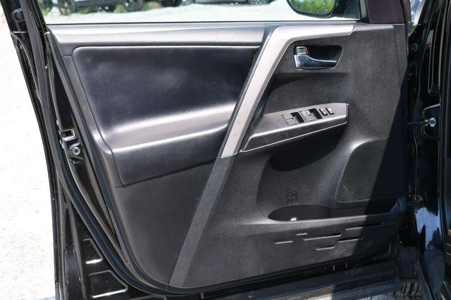 2018 Toyota RAV4 XLE AWD Naugatuck, Connecticut 21