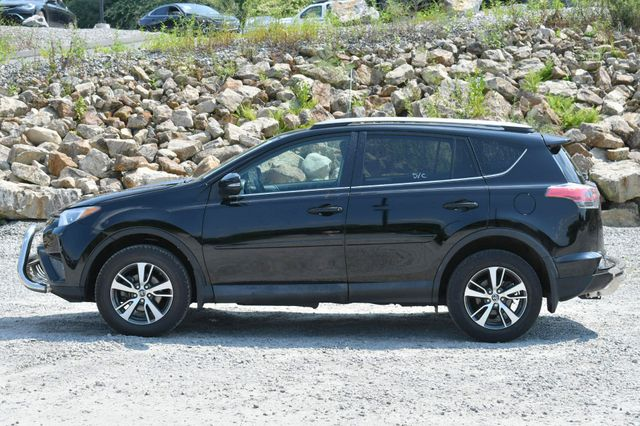 2018 Toyota RAV4 XLE AWD Naugatuck, Connecticut 3