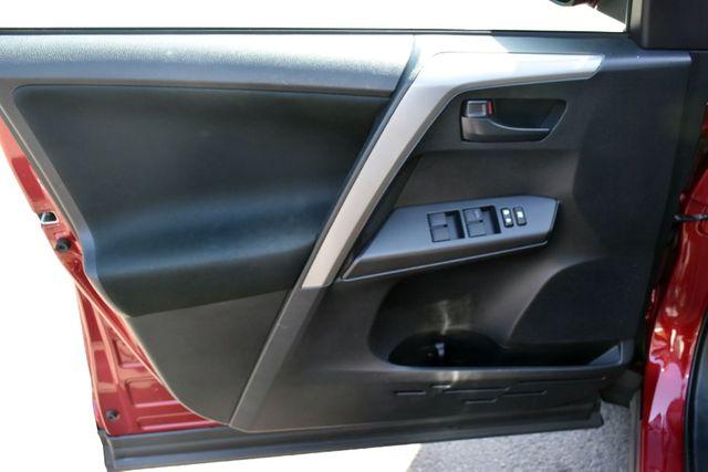 2018 Toyota RAV4 LE Waterbury, Connecticut 21