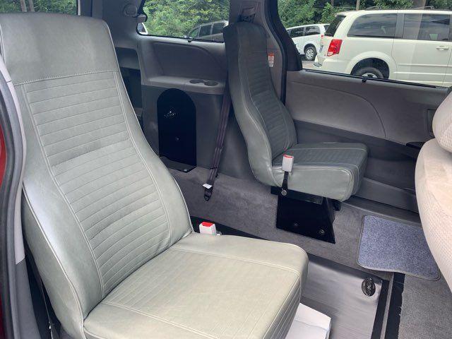 2018 Toyota Sienna LE Handicap wheelchair accessible rear entry Dallas, Georgia 22