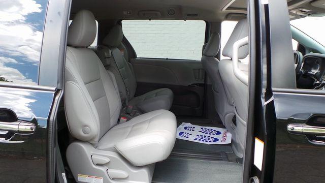 2018 Toyota Sienna XLE Madison, NC 34