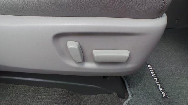 2018 Toyota Sienna XLE Madison, NC 38