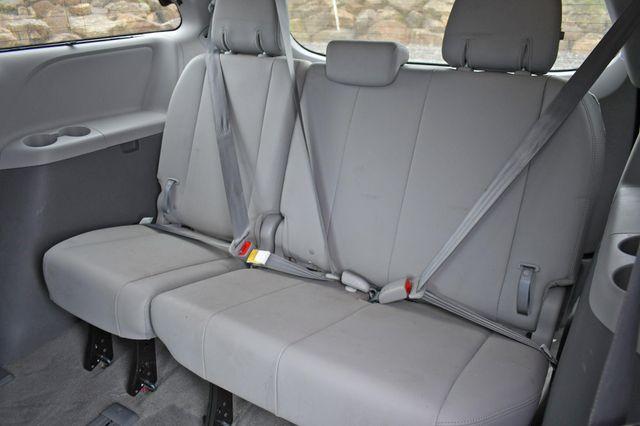 2018 Toyota Sienna XLE Premium Naugatuck, Connecticut 12
