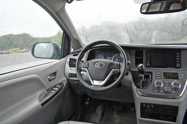 2018 Toyota Sienna XLE Premium Naugatuck, Connecticut 13