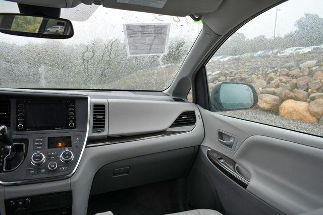 2018 Toyota Sienna XLE Premium Naugatuck, Connecticut 15
