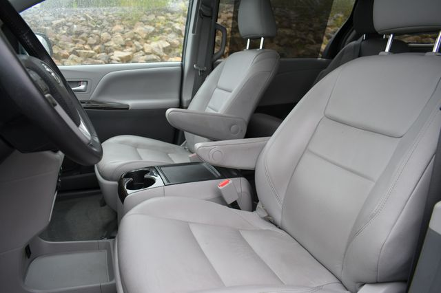 2018 Toyota Sienna XLE Premium Naugatuck, Connecticut 19