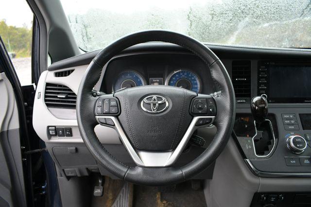 2018 Toyota Sienna XLE Premium Naugatuck, Connecticut 20