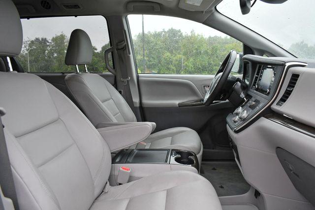 2018 Toyota Sienna XLE Premium Naugatuck, Connecticut 9