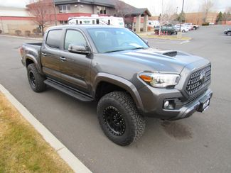 2018 Toyota Tacoma SR5 TRD Off Road Sport Bend, Oregon 6