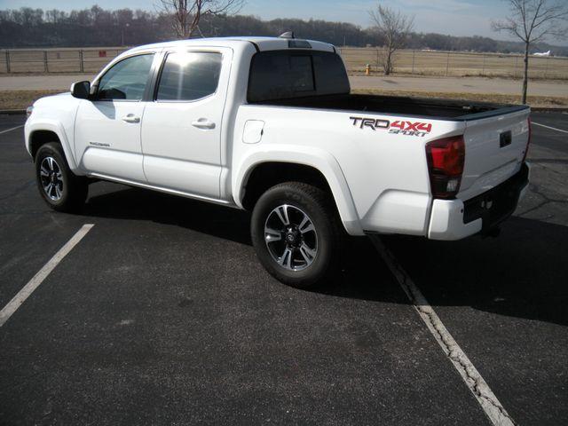 2018 Toyota Tacoma TRD Sport Chesterfield, Missouri 4