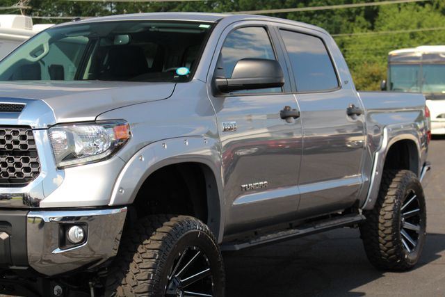 2018 Toyota Tundra SR5 CrewMax 4x4- LIFTED - EXTRA$ - UPGRADE PKG! Mooresville , NC 27