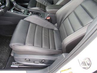 2018 Volkswagen Golf R Hatchback AWD Bend, Oregon 10