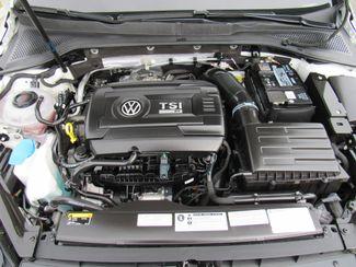 2018 Volkswagen Golf R Hatchback AWD Bend, Oregon 19
