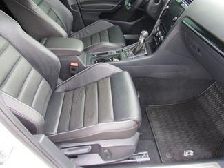 2018 Volkswagen Golf R Hatchback AWD Bend, Oregon 8