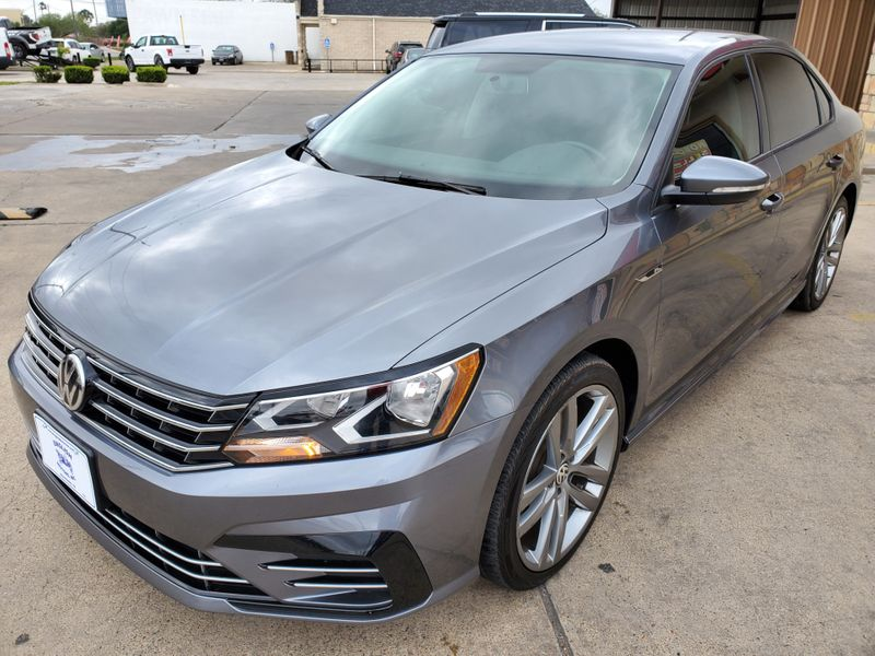 2018 Volkswagen Passat R-Line  Brownsville TX  English Motors  in Brownsville, TX