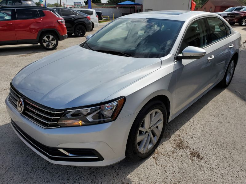 2018 Volkswagen Passat 20T SE  Brownsville TX  English Motors  in Brownsville, TX