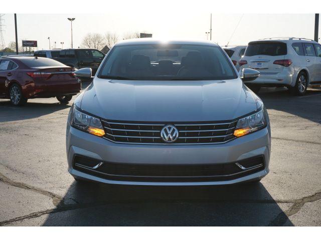 2018 Volkswagen Passat in Memphis, Tennessee 38115