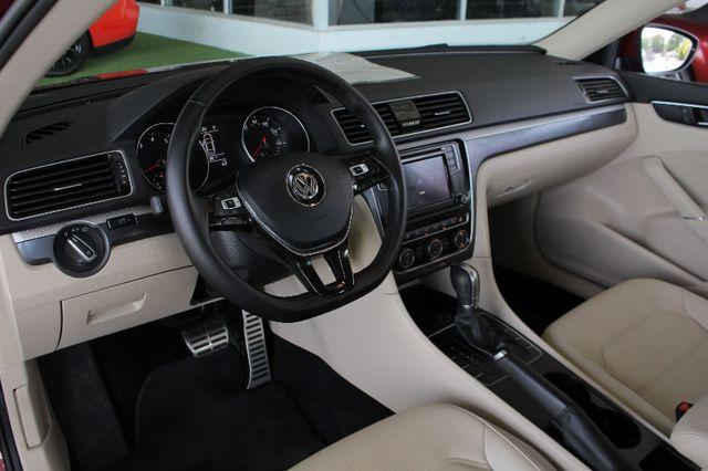 2018 Volkswagen Passat R-Line FWD - ADAPTIVE CRUISE - BLIND SPOT! Mooresville , NC 29