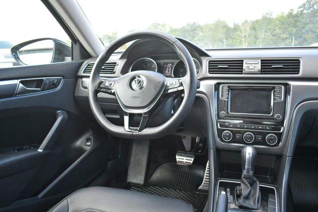 2018 Volkswagen Passat R-Line Naugatuck, Connecticut 15