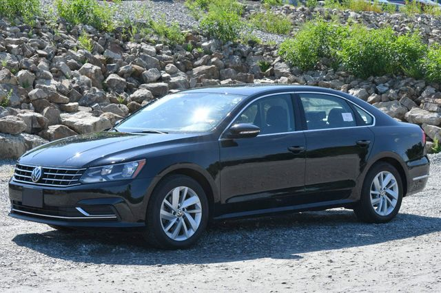 2018 Volkswagen Passat 2.0T SE Naugatuck, Connecticut