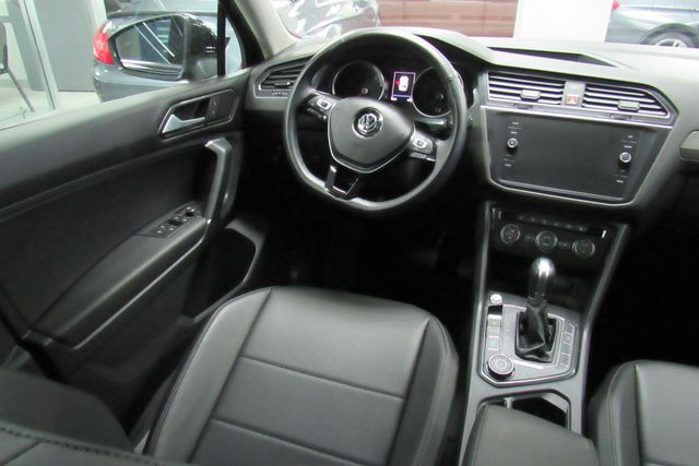2018 Volkswagen Tiguan SEL W/ BACK UP CAM Chicago, Illinois 18