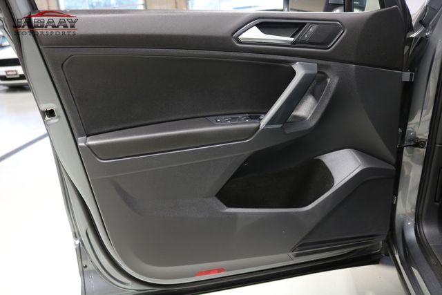 2018 Volkswagen Tiguan SE Merrillville, Indiana 25