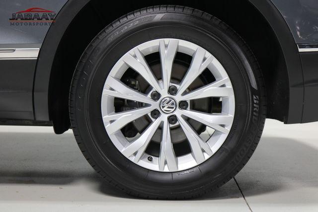 2018 Volkswagen Tiguan SE Merrillville, Indiana 46
