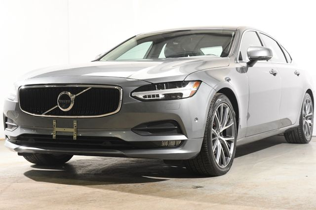2018 Volvo S90 Momentum w/ Nav/ Blind Spot/ Safety Tech