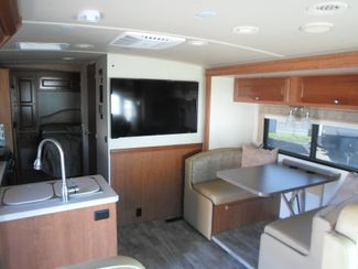 2018 Winnebago Vista 30T Salem, Oregon 6