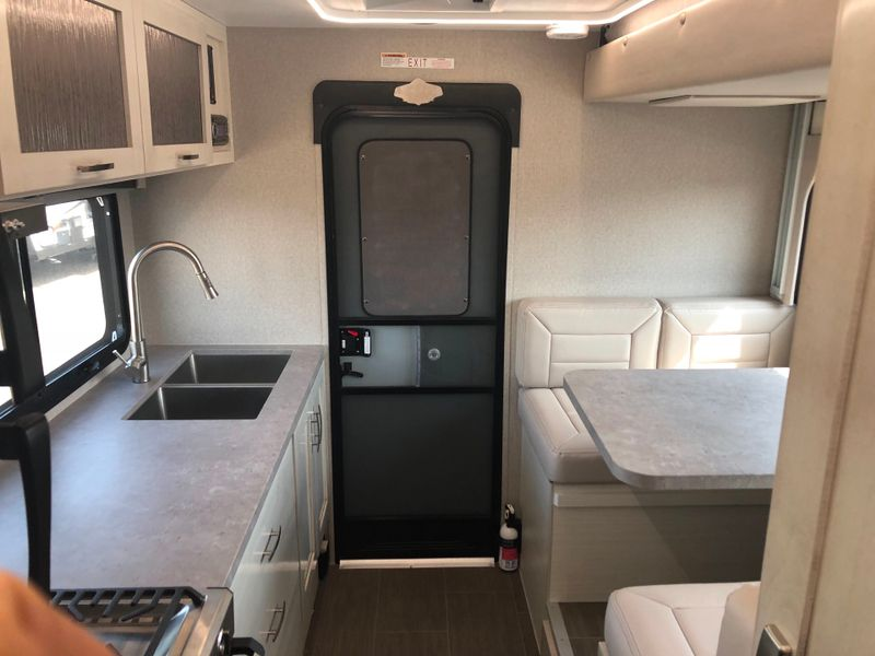 2019 Adventurer 901SB 50th Anniversary Limited Edition  in Phoenix, AZ