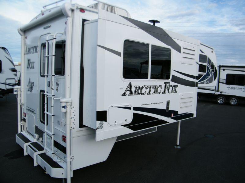 2019 Arctic Fox 811  in Surprise AZ