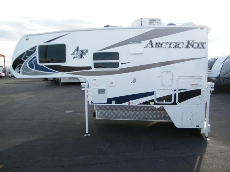 2019 Arctic Fox 811  in Surprise, AZ