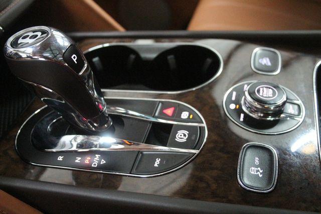 2019 Bentley Bentayga V8 Houston, Texas 24