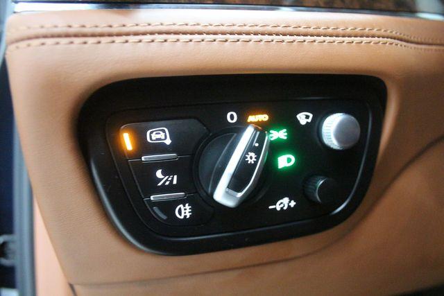 2019 Bentley Bentayga V8 Houston, Texas 27