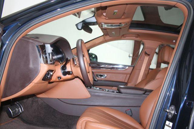 2019 Bentley Bentayga V8 Houston, Texas 28