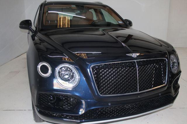 2019 Bentley Bentayga V8 Houston, Texas 4