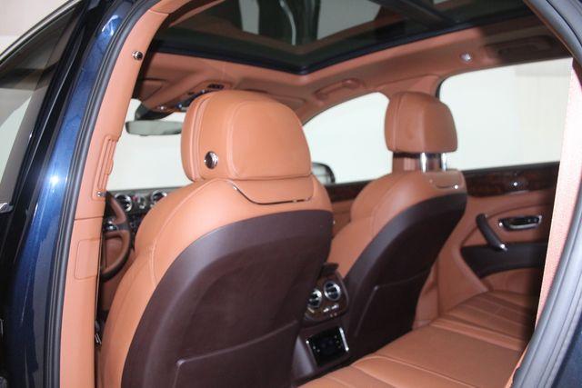 2019 Bentley Bentayga V8 Houston, Texas 40